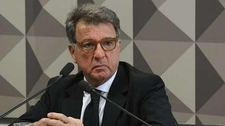 Paulo Marinho depõe por cinco horas e, ao sair, alega que processo é sigiloso