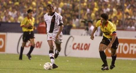 Donizete marcou um dos gols no segundo jogo que garantiu a Libertadores para o Vasco (Reprodução)