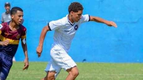 Pedro em ação pelo Botafogo (Foto: Arquivo Pessoal)