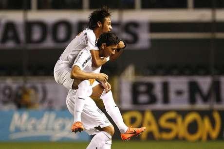 Neymar e Ganso deram quatro títulos pelo Santos, em dois anos e nove meses (Foto: Ricardo Saibun/Santos FC)