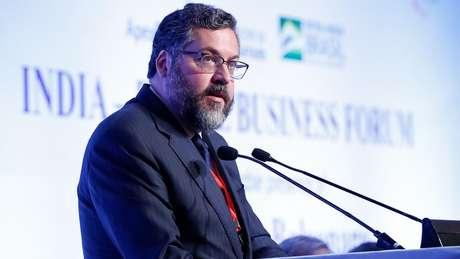 Ernesto Araújo em evento na Índia; ministro é apontado por Olavo de Carvalho como uma indicação acertada para o governo