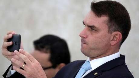'Em primeiro lugar, o Queiroz não é filho do Bolsonaro', diz Olavo de Carvalho sobre ex-chefe de gabinete de Flávio Bolsonaro (foto)