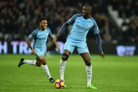 Yayá Touré é um dos maiores ídolos da história do Manchester City, da Inglaterra (Foto: Glyn Kirk / AFP)