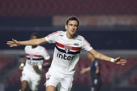 Pablo afirmou que deseja voltar logo e mostrou confiança no trabalho em 2020 (Foto: Rubens Chiri/saopaulofc.net)