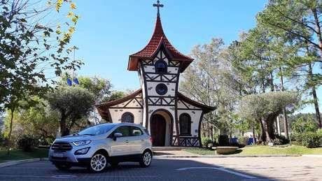 Ford EcoSport Titanium: desconto de R$ 14 mil nas revendas Caoa.