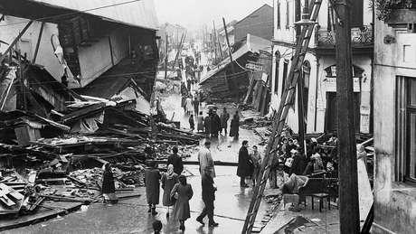O tsunami causado pelo terremoto em Valdívia deixou ao menos 200 mortos em outros países