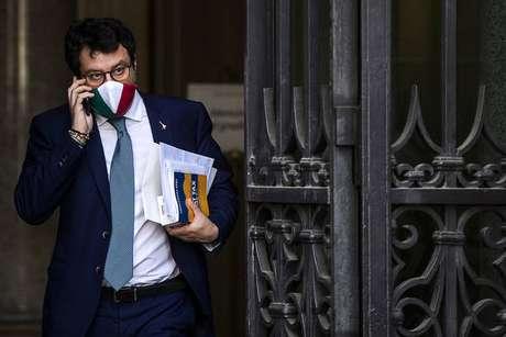 Ex-ministro enviou carta e telefonou ao presidente da Itália