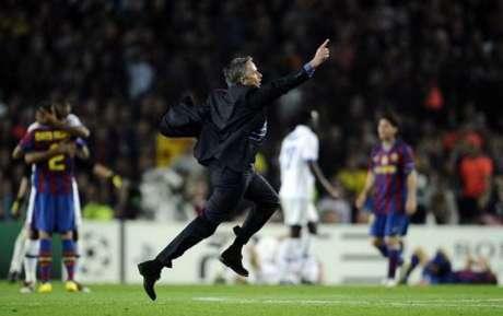 Mourinho diz que derrota para o Barcelona foi a melhor de sua carreira (Foto: FILIPPO MONTEFORTE / AFP)