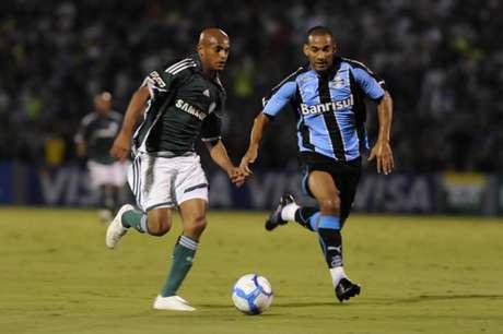 Ewerthon fez dois gols e Palmeiras ganhou o Grêmio por 4 a 2 em jogo marcante (Foto: Junior Lago/Lancepress!)