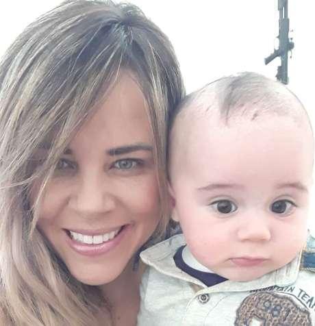 Viviane depende da documentação de seu filho Juan para voltar ao Brasil