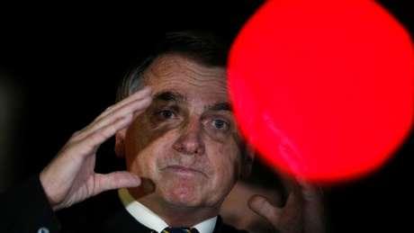 Bolsonaro falou a apoiadores na noite desta sexta-feira (22), após divulgação de gravação do encontro com seus ministros em 22 de abril; ele minimizou conteúdo da reunião publicado