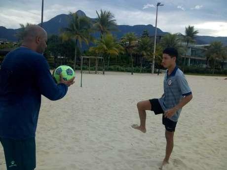 Atacante Antônio é um dos jogadores da base do Macaé que irá subir ao time A (Foto: Cassiano Carvalho/Macaé Esporte FC)