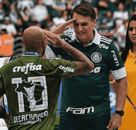 Felipe Melo fez gesto militar para Jair Bolsonaro em entrega do título nacional ao Palmeiras, em 2018(Reprodução/Instagram)