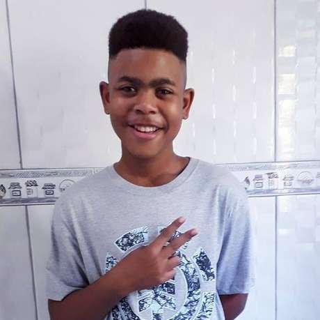 O jovem João Pedro morreu aos 14 anos, durante uma operação da Polícia Civil e da Polícia Federal no Complexo do Salgueiro, na segunda-feira (18)