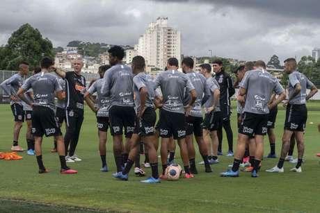 Líderes do elenco e jogadores experientes elogiaram o trabalho de Tiago (Foto: Daniel Augusto Jr./ Ag. Corinthians)