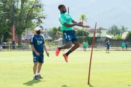 Flamengo treina no Ninho do Urubu e agora com aprovação da Prefeitura (Foto: Divulgação/Flamengo)