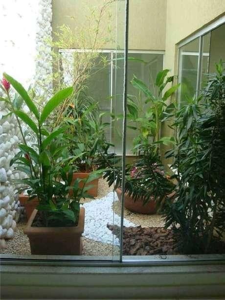 42. Modelos de jardim de inverno para decorar a sua casa