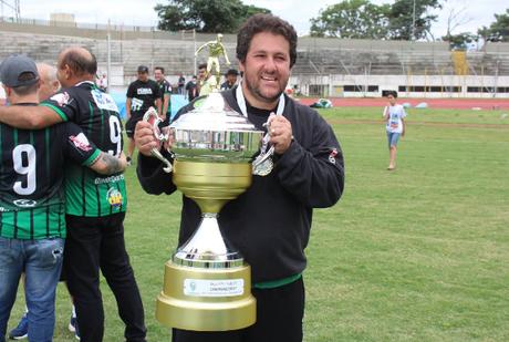 Marchiori é o treinador mais vitorioso da história do clube (Foto: Divulgação)