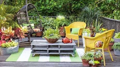 6. Para espaços grandes, escolhas modelos de jardim onde você consiga receber visitas.