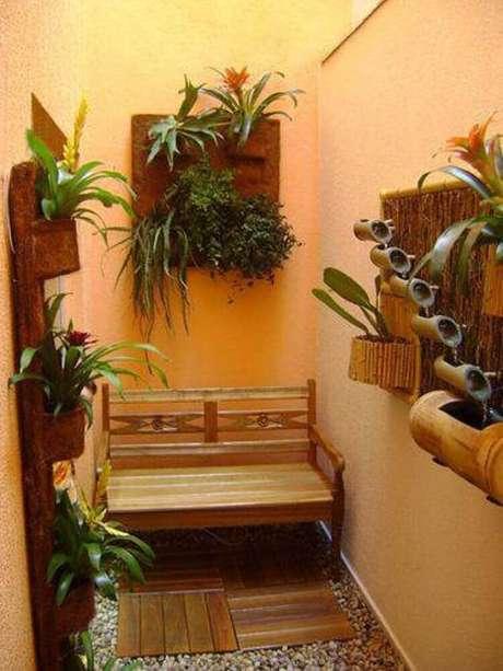 17. Instalar bancos no jardim de inverno faz com que eles fiquem mais funcionais