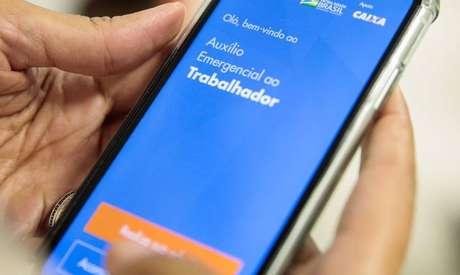 50 milhões de brasileiros já receberam o benefício emergencial.