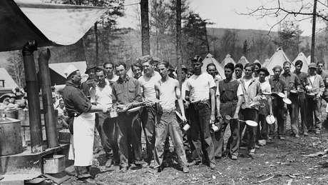 Durante a Grande Depressão da década de 1930, houve desabastecimento de comida