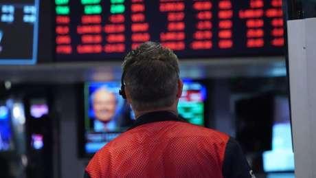 Economista alerta que 'está chegando uma viagem louca na bolsa', como se fosse uma montanha-russa