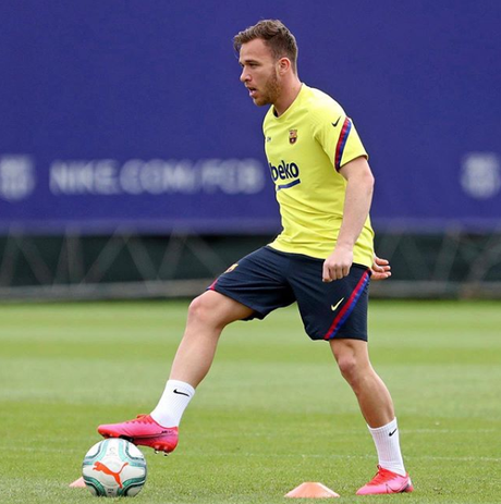Arthur deve permanecer no Barcelona (Foto: Reprodução/Instagram)