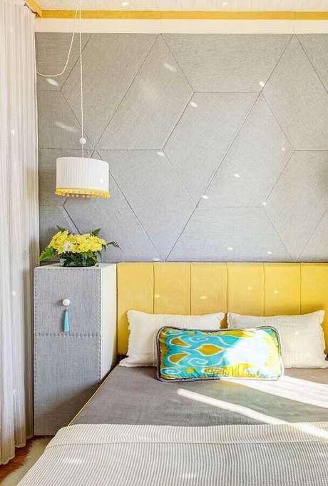 29. Decoração moderna para quartos bonito planejado em cinza e amarelo – Foto: Pinterest
