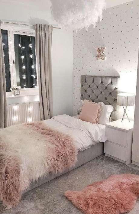 36. Invista em uma bela cabeceira de cama na decoração de quartos bonitos e aconchegantes – Foto: Home Decor
