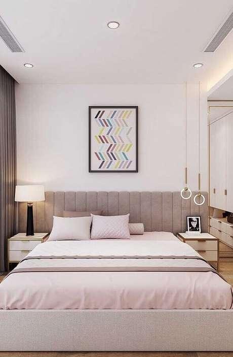 9. Decoração para quarto de casal bonito e moderno com cabeceira cinza estofada – Foto: My Desired Home