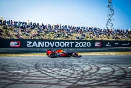 Seria a primeira corrida do holandês Max Verstappen em casa (Foto: Reprodução/ F1)