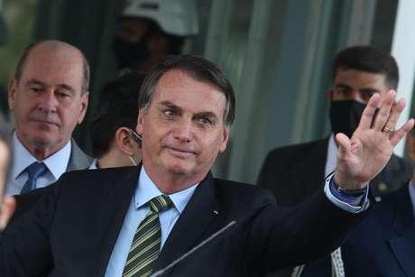 Bolsonaro publica vídeo em italiano com frase de Mussolini