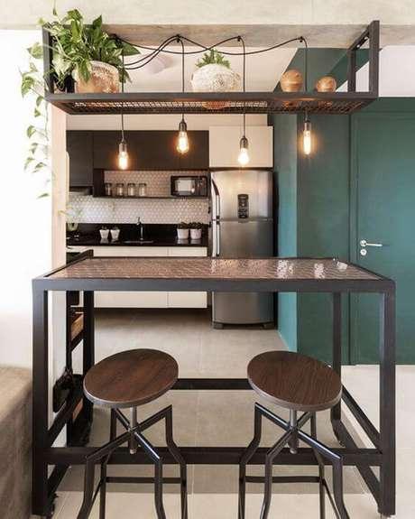 43. Bancada de cozinha feita de móveis de ferro – Via: Pinterest