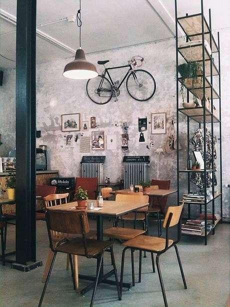 45. Casa no conceito aberto com móveis de ferro – Via: Pinterest