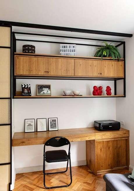 48. Escrivaninha com móveis de ferro – Via: Casa de Valentina