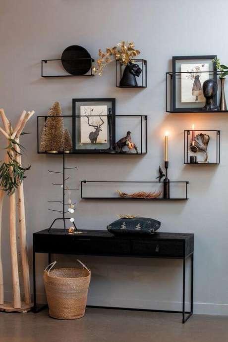 53. Móveis de ferro no aparador de casa – Via: Pinterest