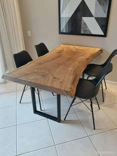 56. Móveis de ferro com madeira – Via: Pinterest