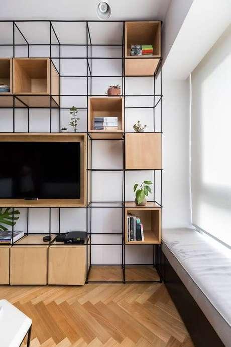 14. Móveis de ferro como painel para sala de tv – Via: Pinterest