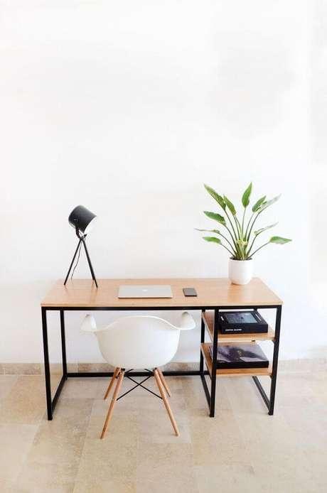 19. Móveis de ferro na escrivaninha clean – Via: Pinterest