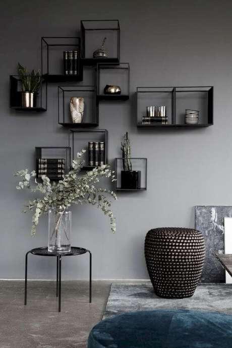 21. Móveis de ferro na sala de estar como nichos modernos – Via: Pinterest