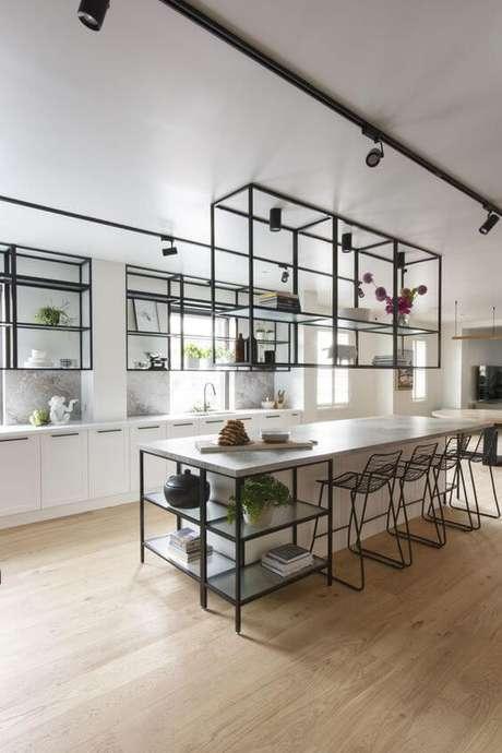 27. Móveis de ferro para cozinha moderna estilo industrial – Via: Pinterest