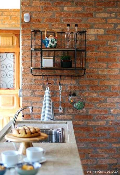 28. Móveis de ferro para cozinha moderna – Via:Histórias de Casa