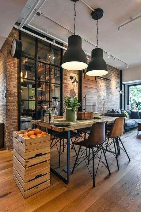 7. Móveis feitos de ferro e madeira na sala de jantar – Via: Pinterest