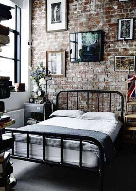 37. Quarto industrial com móveis de ferro – Via: Pinterest