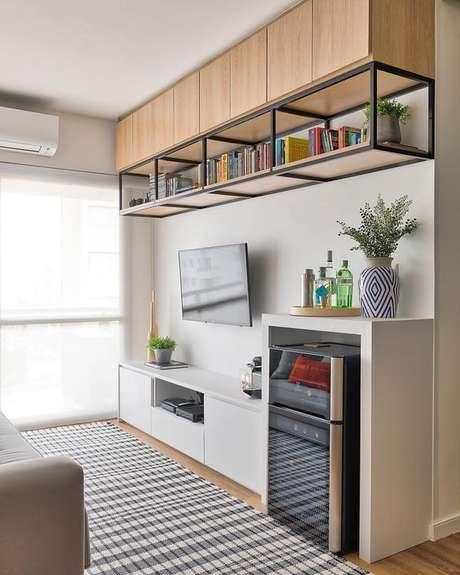 38. Sala com móveis de ferro e madeira – Via: Pinterest