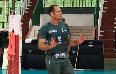O ex-levantador Ricardinho trabalhou nos últimos anos como dirigente do Maringá (Foto: Thais Pismel/Divulgação)
