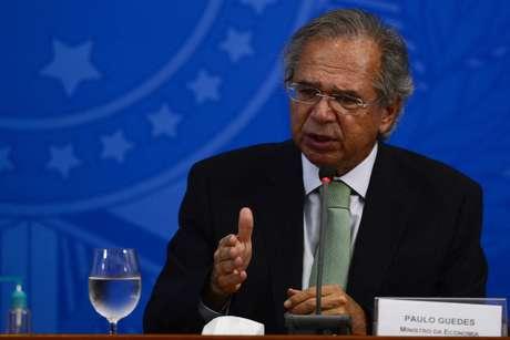 Programa social. Equipe do ministro Paulo Guedes tenta influir em debates no Congresso
