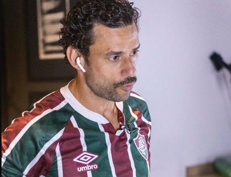 Fred vestiu a nova Fluminense pela primeira vez (Foto: Reprodução)