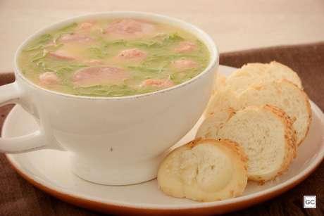 Guia da Cozinha - 11 receitas de caldo verde perfeitas para o inverno